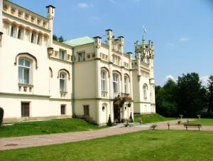 Photo of Paszkowka Palace Hotel And Park Complex