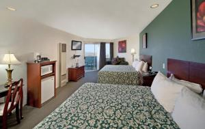 Deluxe King Room with 2 King Beds and Pier View - Downstairs