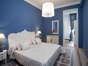 Two-Bedroom Apartment (1-4 Adults) Rambla Catalunya, 101-103
