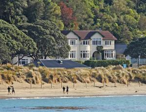 Photo of Beachfront Wellington Bed And Breakfast