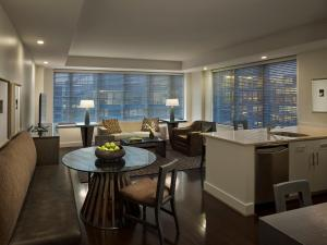 One Bedroom Platinum Suite