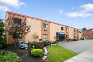 Photo of Travelodge Lakewood