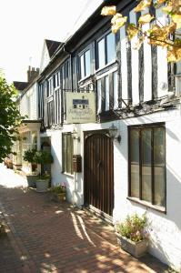 Pelham Hall Bed & Breakfast in Burwash, East Sussex, England