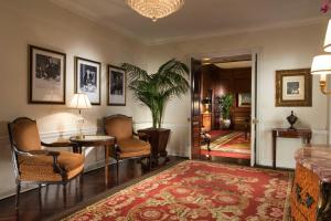 One-Bedroom Grand Suite
