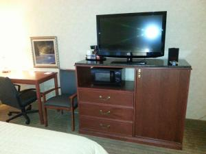Baymont Inn And Suites Indianapolis South - Indianapolis, IN 46237 - Photo Album
