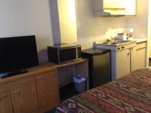 Double Room with Kitchenette - Non-Smoking