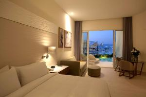 Junior Suite with Private Pool - Ocean Front