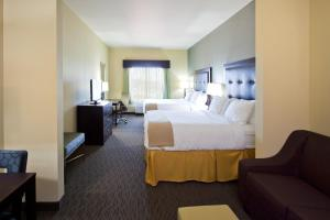 Deluxe Queen Suite with Two Queen Beds - Disability Access