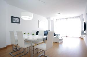 Flatsforyou Port Design, Apartments  Valencia - big - 13