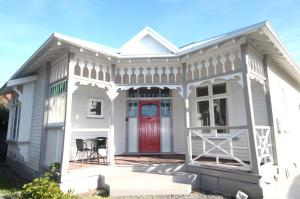 Photo of Clarence House   Christchurch Holiday Homes
