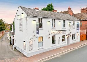 Henri's Bar Brasserie and Rooms in Shifnal, Shropshire, England