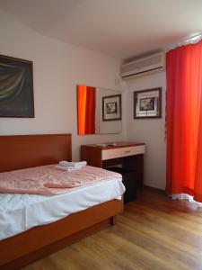 Apartments and Rooms Villa Gaga 2, Bed & Breakfasts  Budva - big - 4