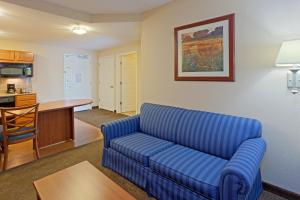 One-Bedroom Queen Suite with Sofa Bed - Non-Smoking