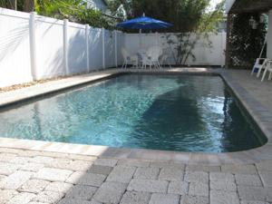 Two-Bedroom Apartment with Pool View - 117 Neptune Lane