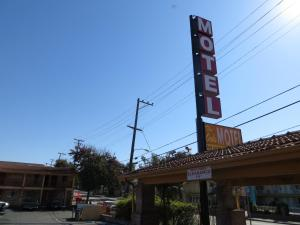 Photo of The Oaks Motel