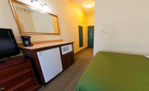 Country Inn & Suites Saint Cloud East, Szállodák  Saint Cloud - big - 2