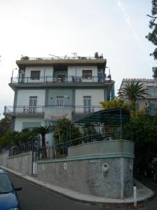 Bed and Breakfast B&B La Nave, Naples