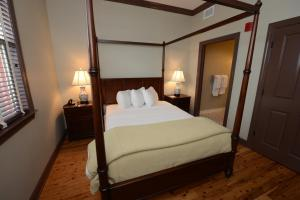 Two Bedroom Suite with One King and One Twin Bed