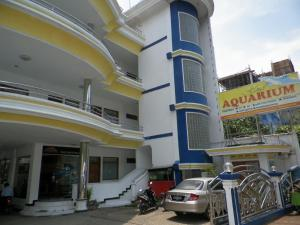 Photo of Aquarium Hotel