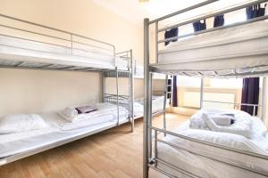 Private 6 Bed Dorm (shared bathroom)
