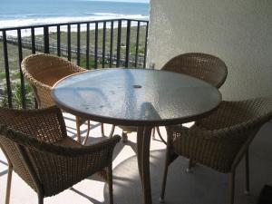 Three-Bedroom Apartment - Beach Front (6 Adults)