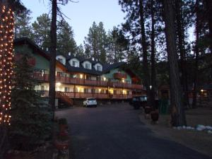 Photo of Honey Bear Lodge & Cabins