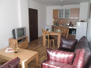Ramada 2 Alexander Services Apartments