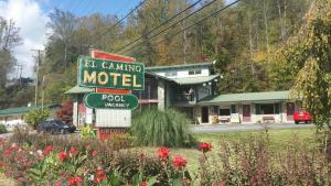 Photo of El Camino Motel   Cherokee
