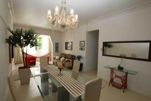Three-Bedroom Apartment - Av. N. Sra. de Copacabana, 759 - 302