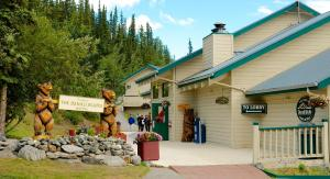 Photo of Denali Bluffs Hotel