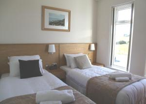 Somerfield Lodge, Bed and Breakfasts  Swansea - big - 2