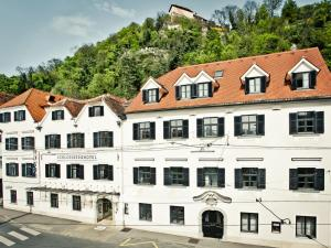 Photo of Schlossberghotel   Das Kunsthotel