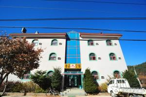 Photo of Dongkung Motel