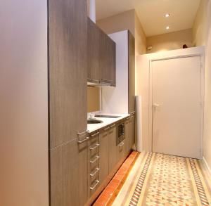Two-Bedroom Apartment - Calle Girona 111