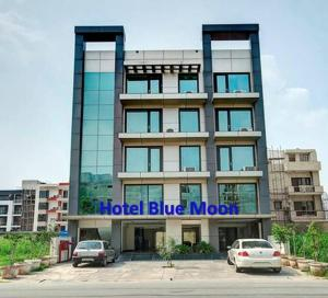 Photo of Hotel Blue Moon