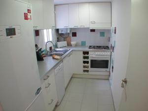 One-Bedroom Apartment - Roser 7
