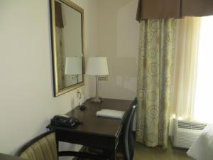 Queen Room with Two Queen Beds - Hearing Access/Non-Smoking