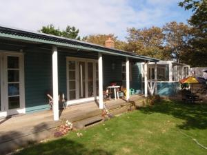 Harbour View Bungalow in Weymouth, Dorset, England