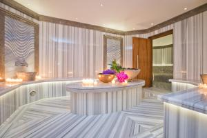 Four Seasons Hotel des Bergues Geneva - 17 of 46