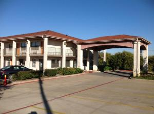 Photo of Heritage Inn Grand Prairie