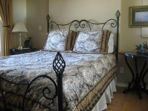 Photo of Royal Roads Oceanfront Vacation Rental