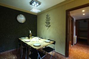 Three-Bedroom Apartment (2-6 Adults) - Gran Via nº 1021