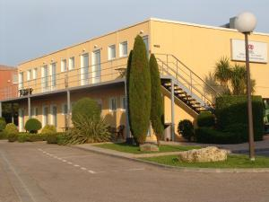 Top Motel, Hotely  Istres - big - 10