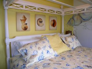 Sea Shell King Room with Balcony