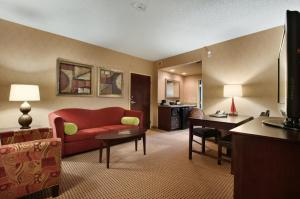 Premium Queen Suite with Two Queen Beds - Non-Smoking