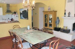Holiday home rou. de la S�rignane