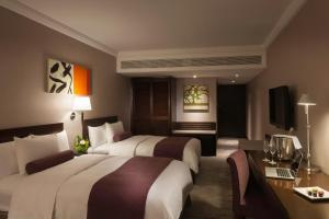 Continental Club - Deluxe King or Twin Room