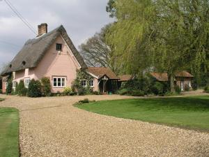 Thatched Farm Bed and Breakfast in Woodbridge, Suffolk, England