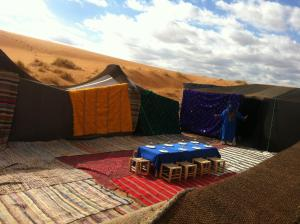 Camel Bivouac Merzouga, Luxury tents  Merzouga - big - 46