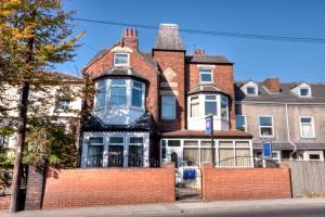 Tower House Executive Guest House in Pontefract, West Yorkshire, England